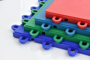 Interlocking mats perfect for office